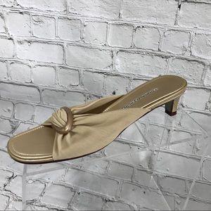 Donald j plinner beige sandal slides sz 8 N